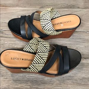 Lucky brand size 8 platform sandals